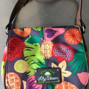 Green living lily bloom bag